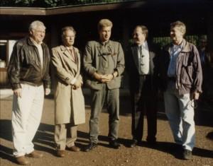 Der erste Vorstand der GDZ (von links nach rechts) : Herr Hieber (2.Vizepräsident), Herr Scheibel (Schriftführer), Herr Thanheiser (Präsident), Herr Mooshammer (1.Vizepräsident), Herr Gleßgen (Schatzmeister)