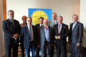 Vorstand der GDZ (von links nach rechts) Bruno Hensel, Lothar Teichmann, Ralf Leidel, Mirko Strätz, Klaus Kohlmann, Dieter Rollepatz (Ehrenpräsident), Siegfried Stauche (Ehrenpräsident) und Thomas Ziolko